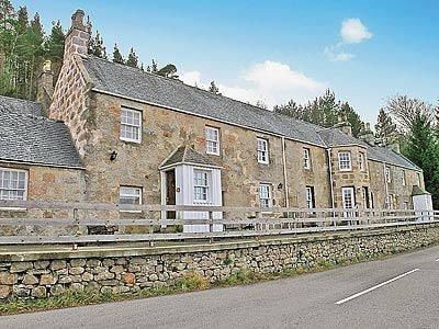 Morven View Cottages - Fir Tree Cottage, near Ballater