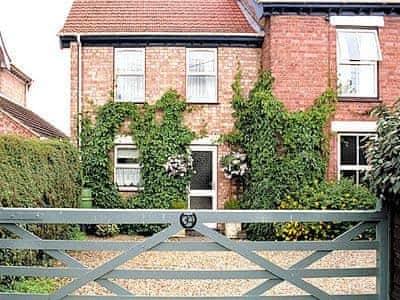 Holiday photo of Overland Cottage