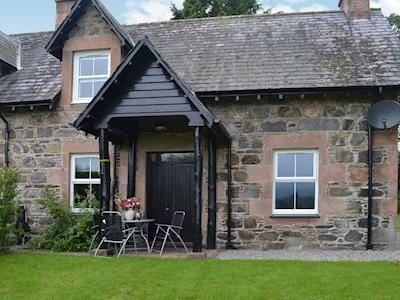 Checkers Cottage - Beaufort Estate, Kiltarlity, near Beauly