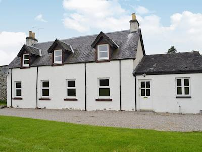 Rose Cottage - Beaufort Estate, Kiltarlity, near Beauly