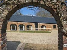 Fernhill - Fernhill Farm, sleeps 18 in Ryde and Seaview.
