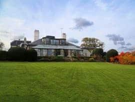 Glen Hill House, sleeps 16 in Deal.