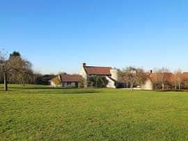 Hill Barn, sleeps 12 in Glastonbury.