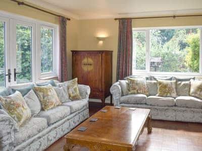 Oakdene Lodge thumbnail 4