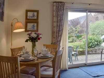 Craigrossie Cottage thumbnail 3