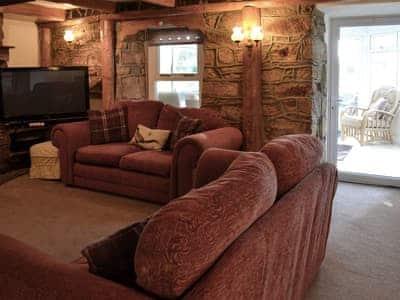 Cox Hill House thumbnail 2