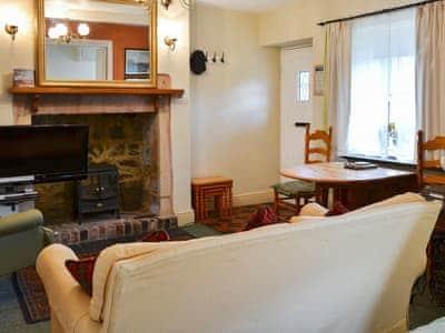 Primrose Cottage thumbnail 1