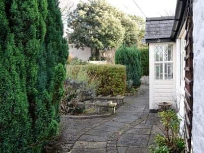 Lilac Cottage thumbnail 1