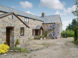The Wain House, sleeps 12 in Oswestry.