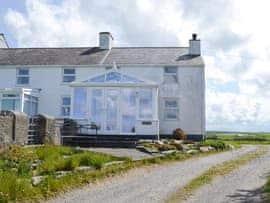 Bodlasan Groes Cottage - 26946, sleeps 6 in Holyhead and Trearddur Bay.
