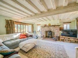The Manor, sleeps 12 in Lydney.