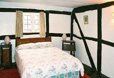 Tudor Cottage thumbnail 5