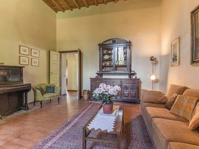 Villa Malesci thumbnail 1