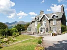 Grange House Keswick, sleeps 20 in Keswick.