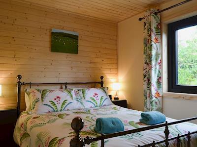Chale Farm Lodge thumbnail 6