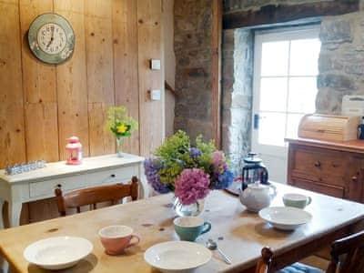 Corner Cottage thumbnail 5