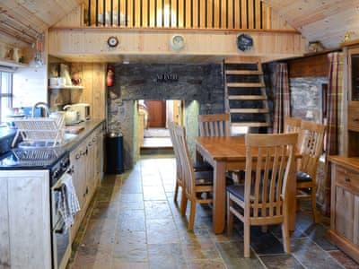 Capercaillie Cottage thumbnail 3