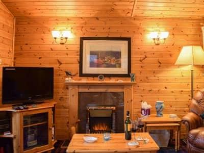 Lodge 27 Loch Lomond thumbnail 2