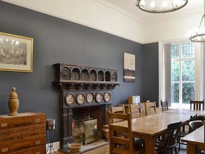 Newton Manor House thumbnail 8