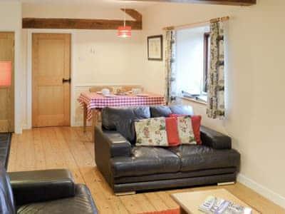 Benar Cottages - Bwthyn Rhosyn thumbnail 2