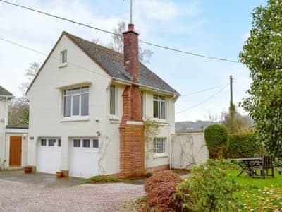 Moorcroft Cottage thumbnail 1