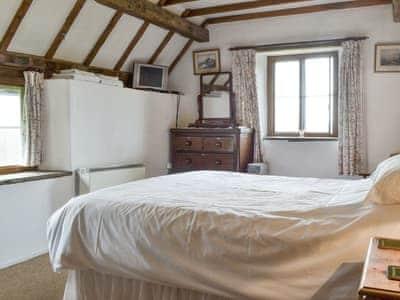 Titchbourne Cottage thumbnail 8