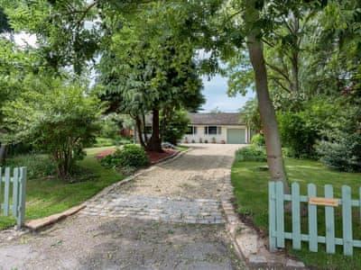 photo of Maypole Cottage