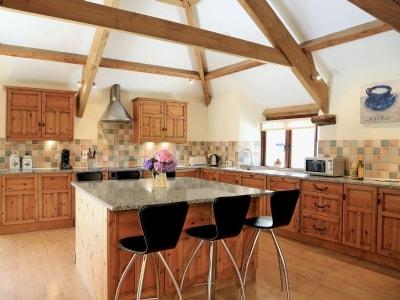 C4Y-HDDJ-https://img.chooseacottage.co.uk/Property/239/400/239125.jpg