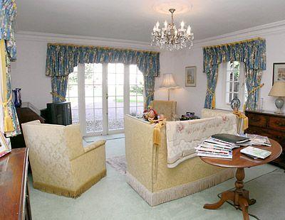 C4Y-H81-https://img.chooseacottage.co.uk/Property/253/400/253875.jpg