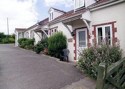 Snaffles Cottage thumbnail 8