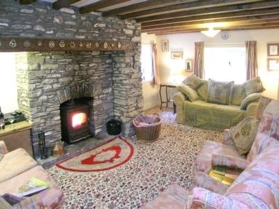 Bryneinon Cottage thumbnail 1