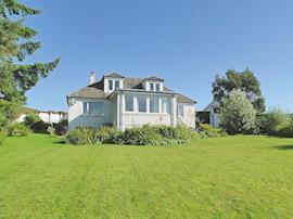 Seabank Cottage, sleeps 12 in Oban.