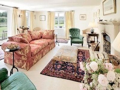 C4Y-RYY6-https://img.chooseacottage.co.uk/Property/403/400/403806.jpg