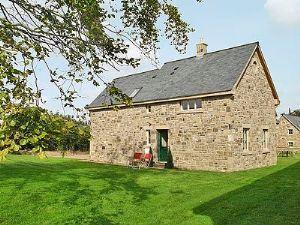 Ellingham Hall Cottages - The Milking Parlour