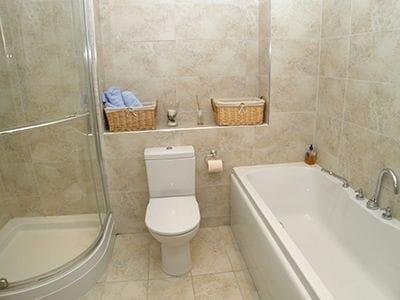 C4Y-W42324-https://img.chooseacottage.co.uk/Property/411/400/411113.jpg