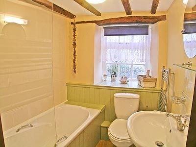 Holmdene Cottage thumbnail 6