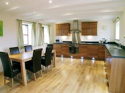 C4Y-25336-https://img.chooseacottage.co.uk/Property/426/400/426668.jpg