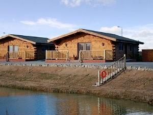 Lake View Lodges - No. 4 Lake View Lodge