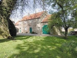 Coach House Cottages - The Coach House