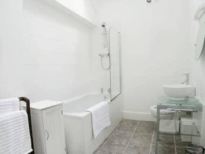 C4Y-RAAE-https://img.chooseacottage.co.uk/Property/437/400/437234.jpg
