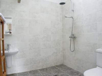 C4Y-RAAE-https://img.chooseacottage.co.uk/Property/437/400/437236.jpg