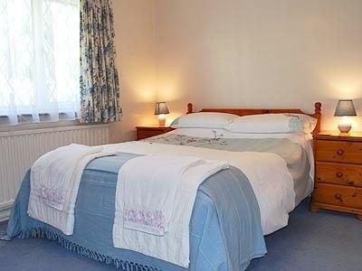 C4Y-W42598-https://img.chooseacottage.co.uk/Property/437/400/437313.jpg