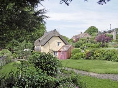 C4Y-W42594-https://img.chooseacottage.co.uk/Property/437/400/437802.jpg