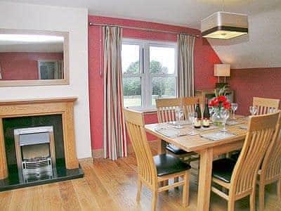 C4Y-25874-https://img.chooseacottage.co.uk/Property/443/400/443265.jpg