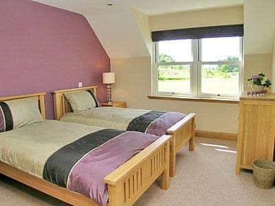 C4Y-25874-https://img.chooseacottage.co.uk/Property/443/400/443269.jpg