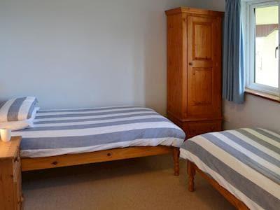 Twin bedroom with en-suite