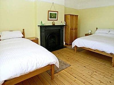 Holt House thumbnail 6