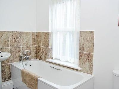 C4Y-26007-https://img.chooseacottage.co.uk/Property/461/400/461838.jpg