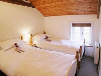 Parc Y Bryn Lodge thumbnail 6