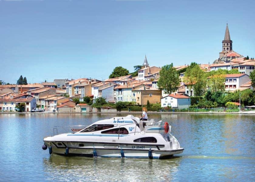 Consul Boat Holiday